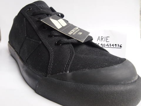 MACBETH ELIOT ALL BLACK CANVAS 41, 43 (Semarang)