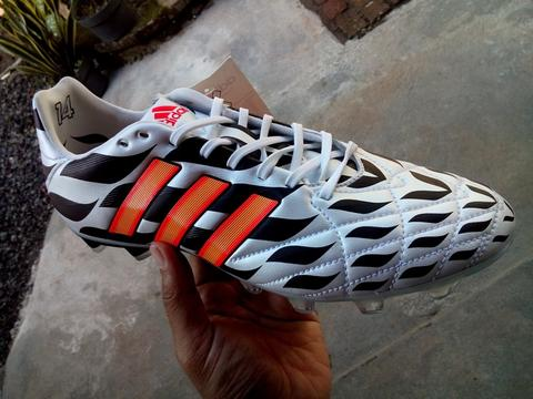 adidas 11pro Wolrd Cup Battle Pack FG