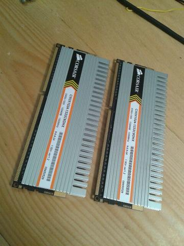 Memori CORSAIR XMS3 DDR3 1Gb 2 pcs