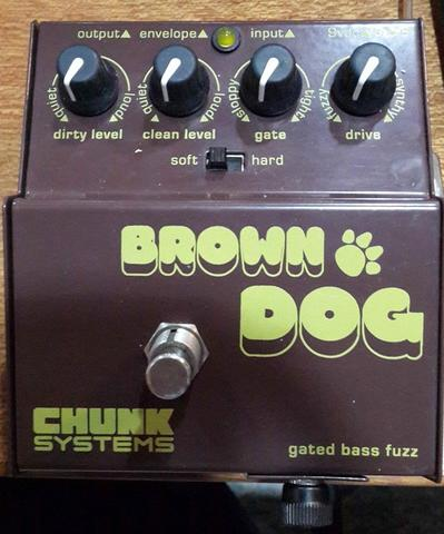 Efek Bass Chunk Systems Brown Dog (Gated Bass Fuzz)