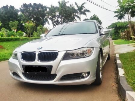 BMW 320 Business 2010 AT