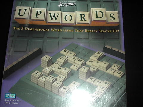 SCRABBLE UPWORDS DARI PARKER BROTHERS