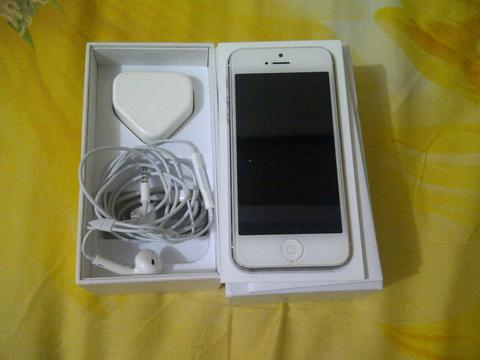 Iphone 5 32gb White | Mulus | Fullset | Normal | Full Ori bkn Rekon!