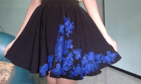 Skirt with incredible electric blue rose