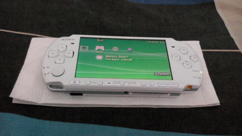 PSP 3006 PEARL WHITE 16 GB 99% LIKE NEW BONUS++ 6 BULAN PAKAI