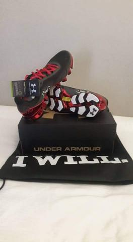 Terjual Sepatu Under Armour Scorpio Chrome Limited Edition  e6abcb79be