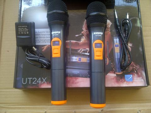 Microphone wireless Shure UT24x, 2 Microphone-handheld,Lcd Display,Batray AAx2,New.
