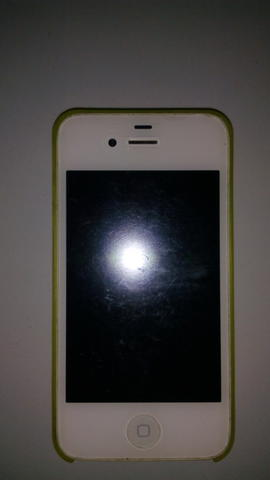 Iphone 4 32gb White GSM (DUS + Charger)