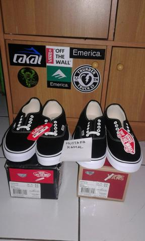 vans authentic black white size 8 bnib