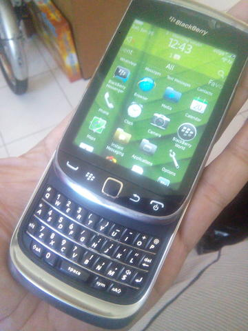 BLACKBERRY 9810 aka TORCH 2