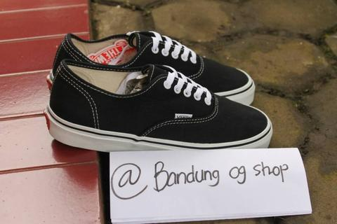 VANS AUTHENTIC BLACK WHITE/CLASSIC, AUTHENTIC MAROON PORT ROYAL, MASUK GAN !