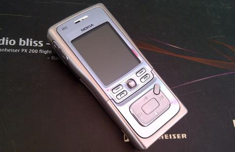 Want To Sell ; Nokia N91 - 4GB Light Chrome N Series Music MintConditions
