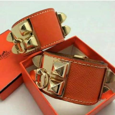 Terjual Jual Gelang Hermes Cdc Bracelet Orange Gold Buckle Mirror 84cbbcc8b5
