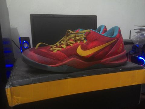 WTS KOBE 8 YOTH SIZE 44 ( not lebron , kd , under armour , jordan )