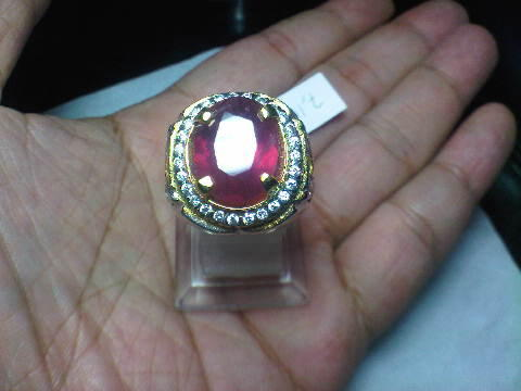 Ruby Afrika 7,10 crt Set in Silver