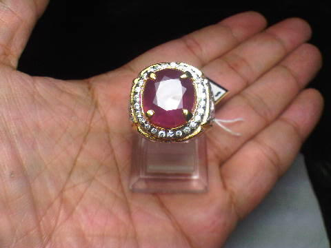 Ruby 8,20 Crt Afrika Set In Silver Ring