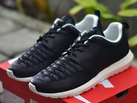 WTB ; Nike Roshe Run NM Woven Black Leather