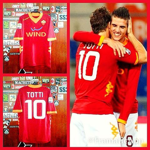 [WTS] Jersey Roma Home 2011/2012 #10 TOTTI + Patch Serie A (Original)