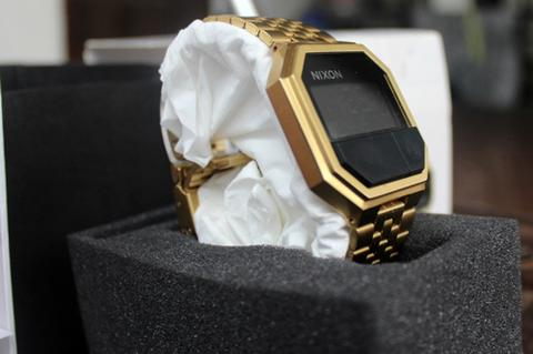 Jam Tangan NIXON RE-RUN ALL GOLD Original Malang