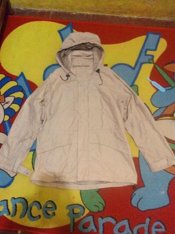 JAKET / SEMI PARKA UNIQLO (original branded)
