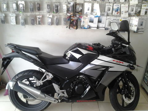 Honda CBR 150R All New 2015 Super Gress Like New