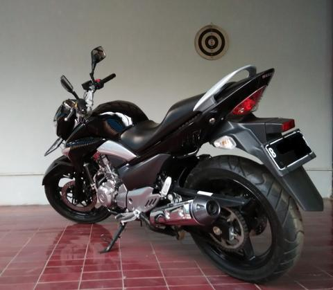 Suzuki Inazuma 250 like new, low miles ( not moge gsx thunder 250 , ninja 250 )