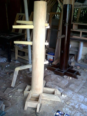 WOODEN DUMMY (Manusia Kayu) Wing Chun / Jeet Kune Do