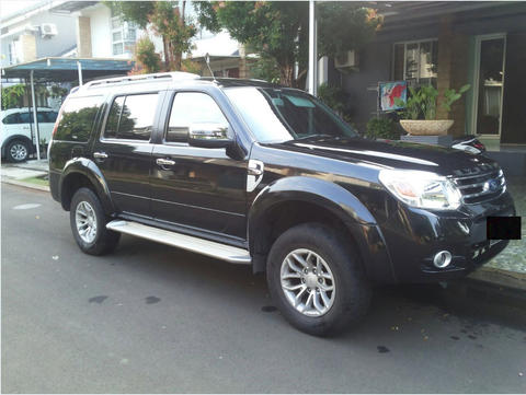 Ford Everest 2.5L XLT thn 2013