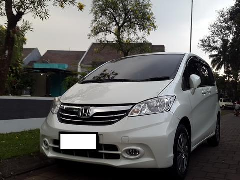 Over-Kredit Honda FREED White-2014 Berkualitas!
