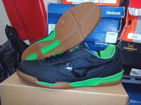 Sepatu futsal MIZUNO SALA CLUB IN black green