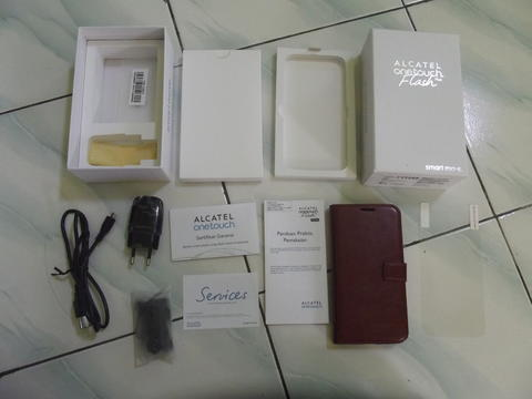 Alcatel One Touch Flash Plus baru sebulan bonus Flipcase Leather Case Tangan pertama!