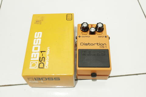 [WTS] Roland Boss DS-1 DS1 Distortion Pedal Effect Efek