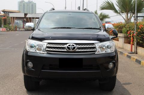 Toyota Fortuner Diesel 2011 AT
