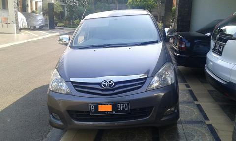 Kijang Innova G AT 2009