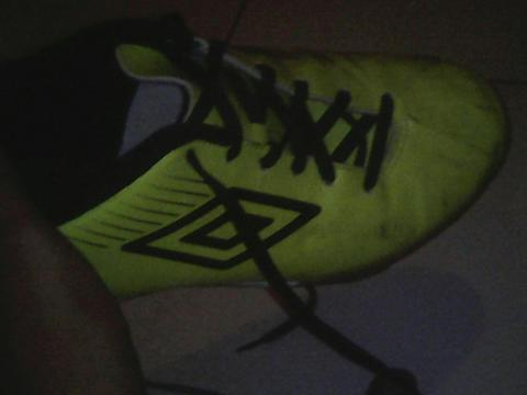 Umbro GT2 Shield IC second murah aja