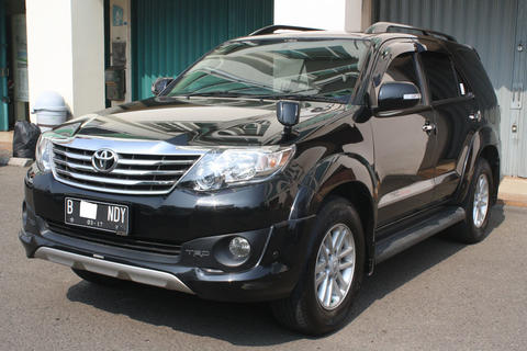 TOYOTA FORTUNER G LUX AT 2.7 TRD HITAM 2012