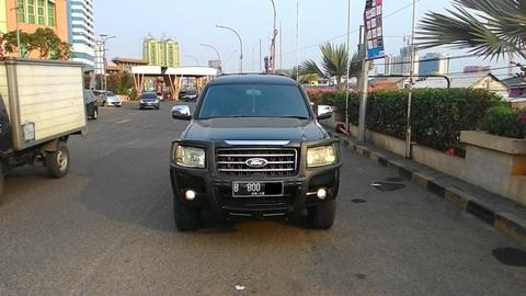 DIJUAL Ford Everest 2.5 XLT AT Hitam Airbags TV 2008 Record 153jt?? [ FOCUS MOTOR ]