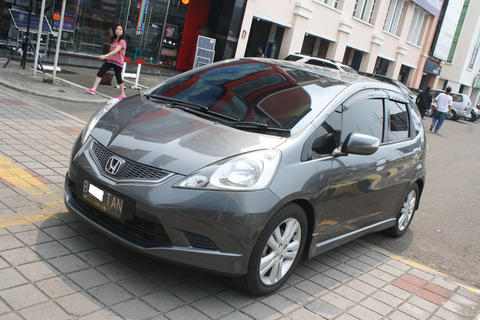 HONDA JAZZ RS MATIC GREY 2010