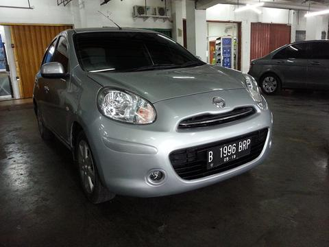 WTS: Nissan March 1.2 A/T Thn 2013 Silver