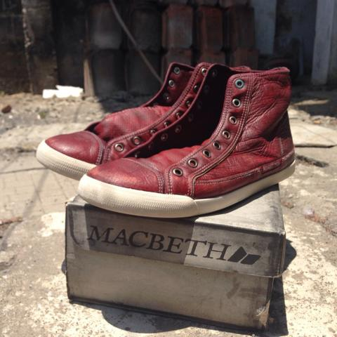 Macbeth schubert oxblood & Patch AVA lengkap