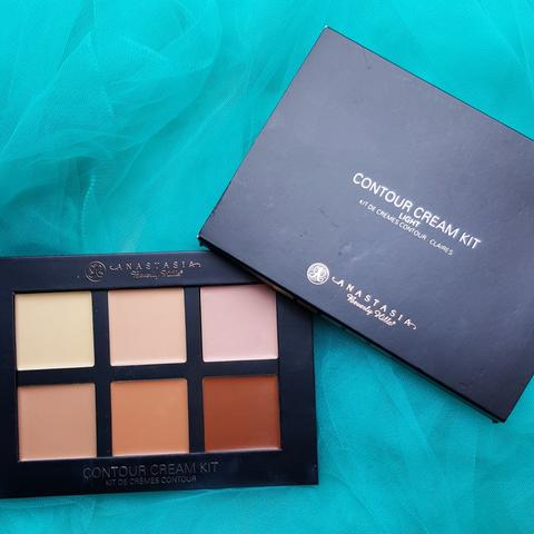 Preloved - Anastasia Beverly Hills Contour Cream Kit Shade Light (BDG)