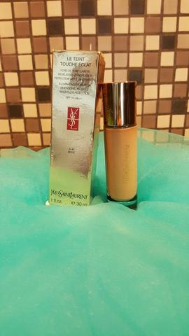 Preloved - Yves Saint Laurent (YSL) Le Teint Touche Éclat Foundation (BDG)