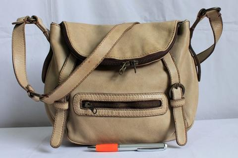 7c8f04ed9f09 Tas branded MASSIMO DUTTI Sling bag original leather second made in Turkey
