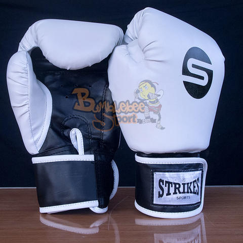 Sarung Tinju Muay Thai Strikes Boxing Gloves