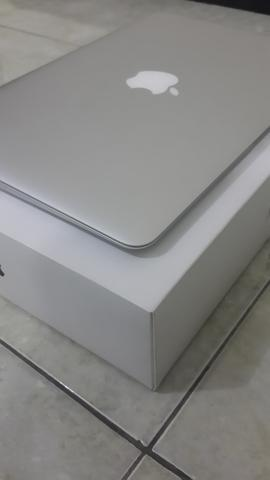 Macbook air 2015 MJVM2iD/A core i5 1.6/gb/128gb masih garansi