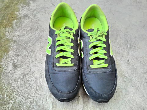 Terjual Sepatu NB New Balance 410 Original Second Murah  6f5cd38922