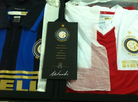 the latest 96d6a 28b77 TERJUAL box jersey inter centenary