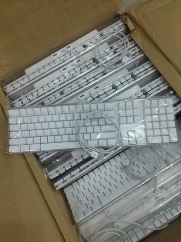 ( NEW ) Apple Wired Keyboard