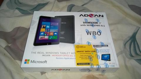 Advan Vanbook W80 Black BNIB