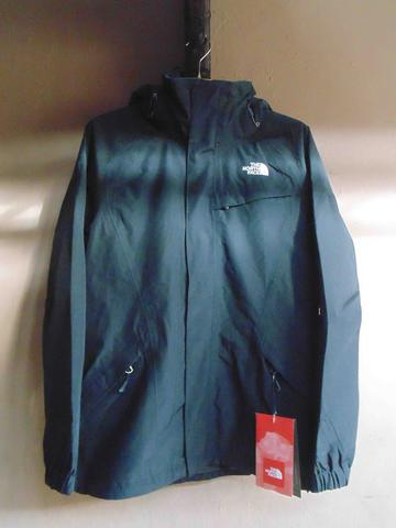 Jaket The North Face (TNF) Original Tipe Outer Kira Triclimate Size M Women